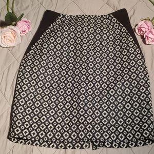 Worthington black and white pencil skirt